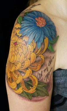 """Aster Flower (Mom's Birth month flower) and Chrysanthemum (my birth month flower) = Connected for eternity. The writing says """"With All My Love – Mom"""" from birthday Aster Flower Tattoos, Birth Flower Tattoos, Flower Tattoo On Side, Flower Tattoo Drawings, Flower Tattoo Designs, Tattoos On Side Ribs, Leg Tattoos, Arm Tattoo, Tatoos"""