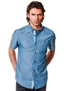 Moderná pánska košeľa s pruhovaným vzorom značky s. Oliver.