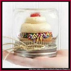 Dollar Store Crafter: Use A Mason Jar As A 'Cupcake Favors' Holder For P...