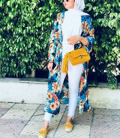 Hijab trend spring fashion – Just Trendy Girls Hijab Fashion Summer, Fashion Week, Modest Fashion, Fashion 2008, Spring Fashion, Modest Clothing, Women's Fashion, Fashion Trends, Look Kimono