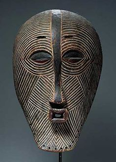 Luba Kifwebe mask. See too the following site for additional African mask images and information: http://www.zyama.com/index.htm