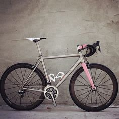 """laicepssieinna: """" From lightweightwheels - Who would not ride this bike? #passoni #germanwheel http://ift.tt/1xpaFXp Vive le Vélo """""""