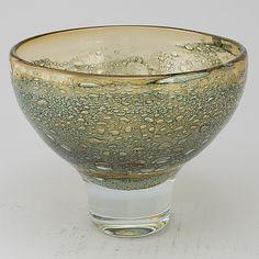 An Art Glass Bowl, signed Heikki Orvola Nuutajärvi Notsjö. Cut Glass, Glass Art, Z Arts, Antique Glass, Scandinavian Design, Perfume Bottles, Ceramics, Crystals, Antiques