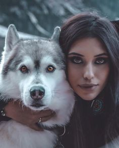 Husky Photos, Wolf Photos, Wolf Pictures, Beautiful Wolves, Beautiful Dogs, Red Riding Hood Wolf, Wolves And Women, Wolf Photography, Wild Wolf