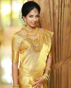 Kerala Bride in gold. Set Saree Kerala, Kerala Wedding Saree, Kerala Bride, Indian Bridal Sarees, Bridal Silk Saree, Hindu Bride, Wedding Sari, South Indian Bride, Bridal Lehenga