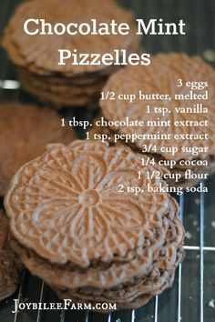 While pizzelles are a traditional Christmas cookie and chocolate mint flavour is traditionally associated with Christmas, these Chocolate Mint Pizzelles are unique and non-traditional. Put your pizzelle iron to work on this easy to make sweet wafer. Pizzelle Cookies, Cookies Et Biscuits, Baby Cookies, Waffle Cookies, Xmas Cookies, Heart Cookies, Valentine Cookies, Easter Cookies, Decorated Cookies