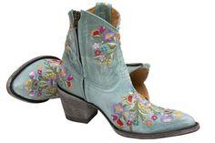 Sora Zipper Aqua from: www.rsoles.com Boots For Short Women, Short Boots, Goodyear Welt, Leather Ankle Boots, Cowboy Boots, Aqua, Footwear, Booty, Zipper