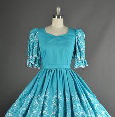 Vintage 1970s Dress 70s Dress full skirt #Vintage #Dress #Fashion