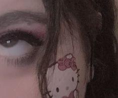 Soft Grunge, Hipster Grunge, Grunge Girl, Grunge Style, Sanrio Hello Kitty, Aesthetic Grunge, Aesthetic Girl, Makeup Aesthetic, Aesthetic People