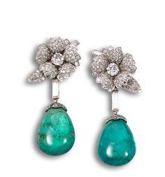 Pendientes largos años 40, diamantes y esmeraldas.