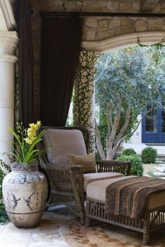 Rustic Meets Stylish in Outdoor Spaces