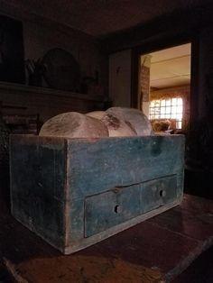 Prim Decor, Primitive Decor, Blue Cabinets, Cupboards, Primitive Furniture, Antique Furniture, Apothecaries, Country Blue, Old Boxes