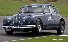 Goodwood-Revival-2015-Jaguar-MkII