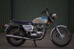 1977 TRIUMPH BONNEVILLE T140V Silver Jubilee $16000