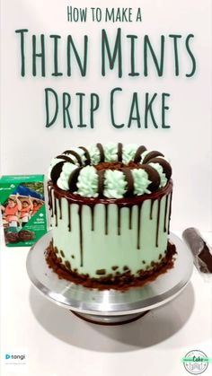 Thin Mints Drip Cake How To Make A Delicious Girl Scouts Thin Mints Cake! Filled and topped with thin mint cookies, this is one of the BEST girl scout cookies in cake form! Thin Mints Drip Cake 869 Source by intensivecakeunit Cake Decorating Frosting, Cake Decorating Designs, Cake Decorating Videos, Birthday Cake Decorating, Cake Decorating Techniques, Chocolate Birthday Cake Decoration, Cookie Cake Decorations, Cake Designs, Thin Mints