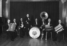 Hannes Konnon Suomi Jazz Orkesteri.  Pomus - Suomalaisen jazzin svengaavat 80 vuotta