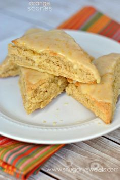 Orange Scones- copycat Panera recipe with links to more from Shugary Sweets Just Desserts, Delicious Desserts, Dessert Recipes, Yummy Food, Scone Recipes, Breakfast Desayunos, Breakfast Pastries, Perfect Breakfast, Orange Scones