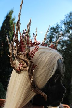 Festa dell'Amore Elfico, anno 44 Era Fenegardum ♥ Da Kielo ad Ilmari: ghirlanda in rami e foglie di betulla.