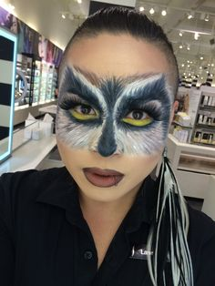 Halloween Owl by Powell. Tag your pics with and on Sephora's Beauty Board for a chance to be featured! Owl Makeup, Animal Makeup, Face Paint Makeup, Makeup Art, Halloween Owl, Halloween Looks, Color Contacts For Halloween, Halloween Face Makeup, Theatrical Makeup