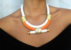 Collier orange cauri - collier pour femme - collier ethnique - collier à offrir