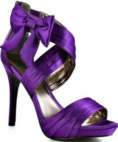 Luichiny Mist Tee - Purple Satin Pumps -- I love these shoes Lila High Heels, Purple High Heels, Purple Sandals, High Heels For Prom, Prom Heels, Black High Heels, Black Shoes, Glitter Sandals, Bow Sandals