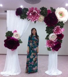 Are you bride wanna be? and looking for stunning decoration for your wedding day? How about decoration with paper flowers? You can put them in everywhere you want, perfect for a backdrop, table dec… Paper Flower Decor, Paper Flowers Wedding, Paper Flower Backdrop, Wedding Paper, Flower Decorations, Diy Wedding, Wedding Decorations, Wedding Ideas, Giant Paper Flowers