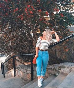 Summer Jeans Off shoulder Converse Best Photo Poses, Girl Photo Poses, Picture Poses, Girl Photos, Family Photos, Portrait Photography Poses, Photography Poses Women, Foto Casual, Instagram Pose