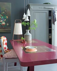 Pink table, a little softer with the greys and white. Decor, Colorful Furniture, Home Interior Design, Interior Inspiration, Painted Kitchen Tables, Painted Table, House Interior, Pink Table, Dining Table