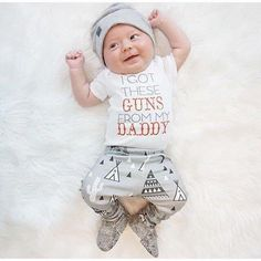 """ I GOT THESE GUNS FROM MY DADDY "" New Baby Boy Gift Set Top Tee Pee Pants & Beanie Infant Baby Shower Gifts Boy's Clothing Apparel USA Shipping"