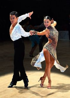 Learn To Ballroom Dance And Feel Your Soul Latin Dance Dresses, Ballroom Dance Dresses, Ballroom Dancing, Ballroom Costumes, Dance Costumes, Baile Latino, Tango Dancers, Salsa Dress, Tribal Belly Dance