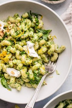 Creamy Goat Cheese Pasta will be on your table in 20 minutes! Swirled with a dreamy, lemony-kale pesto. It's basically heaven in a bowl. // sauce // recipes //