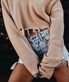 crop frayed ribbed sweater + levis 501
