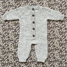 Diy Crafts - Image of SyvSover 0 - 18 Mdr. Diy Crafts Knitting, Easy Knitting, Knitting For Kids, Baby Knitting Patterns, Onesie Pattern, Newborn Coming Home Outfit, Baby Barn, Baby Couture, Jumpsuit Pattern