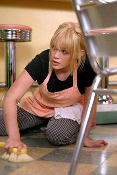 Still of Hilary Duff in A Cinderella Story (2004) http://www.movpins.com/dHQwMzU2NDcw/a-cinderella-story-(2004)/still-1593612544