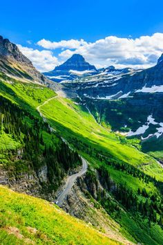 Stunning vista along Highline trail in Glacier National Park, Montana USA. It's America's Most Beautiful National Park.