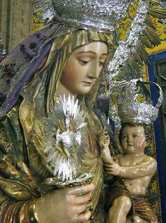 Nuestra Sra. del Amparo. Parroquia de la Magdalena. Sevilla.