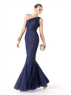 If you want your bridesmaids to look glamorous as they stand beside you on your wedding day, consider dressing in them in one of the many alluring looks from the Pronovias 2014 Cocktail Collection. Blue Evening Dresses, Elegant Prom Dresses, Strapless Dress Formal, Formal Dresses, Pronovias 2014, Pronovias Wedding Dress, Mermaid Prom Dresses, Bridesmaid Dresses, Mermaid Gown
