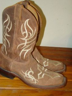 Rare & Hard to find Justin Cowboy Boots! Tattoo Western Cross! Perfect; don't miss them; on Ebay now!
