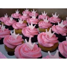 Pretty pink crowns atop pink buttercream and sparkling pink sugar. Crown Cupcakes, Love Cupcakes, Cupcake Cookies, Ladybug Cupcakes, Kitty Cupcakes, Snowman Cupcakes, Valentine Cupcakes, Cupcake Toppers, Pink Princess