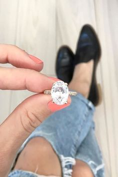 Rings Engagement - Can't find the right ring? Special for you we've collected an amazing ideas. Look at the collection of the most popular engagement rings for women. Engagement Solitaire, Wedding Engagement, Bling Bling, Most Popular Engagement Rings, Wedding Jewelry, Wedding Rings, Bridal Rings, No Rain, Ring Verlobung