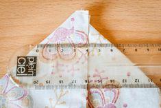 Lingettes lavables et panier de rangement réversible - Karine Wonderland Coin Couture, New Years Eve Party, Coin Purse, Wonderland, Wallet, Sewing, Blog, Diy, Textiles
