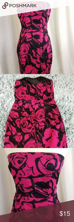 Express Design Studio size 2 Floral Black & Pink Strapless 2 Pocket Sheath Dress Size 2 Express Dresses Mini