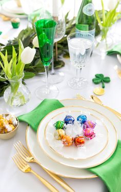 Style a festive St. Patrick\'s Day Tablescape with Courtney Whitmore, entertaining expert from Pizzazzerie.com sharing all her top tips!