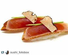 #Repost @sushi_fotobox  Nigiri#sushi#sushitime#sushilovers#sushiporn#sushichef#cheflife#omakase#nigirizushi#sushibar#wabu#wabusushibar#wabusushi#krucza#pycha#tuńczyk#tataki#Warsaw#Warszawa#truffles#trufle by wabusushi