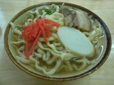 「いっちゃん食堂」の沖縄そば(小)