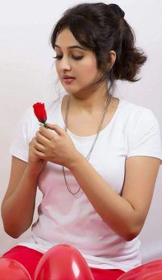 Fashion Model Photography Angel 49 New Ideas Beautiful Girl In India, Beautiful Girl Photo, Beautiful Asian Girls, Elegant Girl, Beautiful Women, Beautiful Gorgeous, Beautiful Bollywood Actress, Most Beautiful Indian Actress, Beautiful Actresses