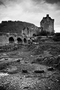 View on black    This summer, amazing small road trip in the magnificent and spectacular Scotland with my friends Julien and Ben    - CANON EOS 350D  - Sigma 17-70 f/2.8-4.5 DC Macro  - ISO 100 - F/9 - 1/40s - 28mm  - Filter Cokin ND4 Grad  - One Shot  - Phot I like this one