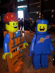 Costume Légo Emmet et Benny au Cosmodôme