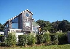 Lincoln City, OR: Three levels of space to relax and enjoy the beach from! Entry-level floor includes garage, two bedrooms, (one with a queen bed and the other with a t...
