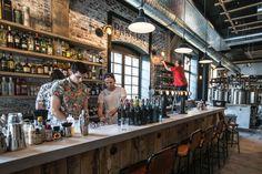 Bar à bières Paname Brewing Company Paname Brewing est situé au 41 quai de la Loire, 75019 Paris. Ouverture tous les jours de 12h à 2h. Tarifs des bières : demi entre 3,70 € et 4,50 €, pinte entre 6,20 € et 8,20 €, bouteille entre 5,50 € et 6,80 €.